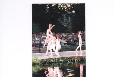 Institutsionaalne plahvatus Eesti tantsumaastikul 1990ndatel aastatel – I osa