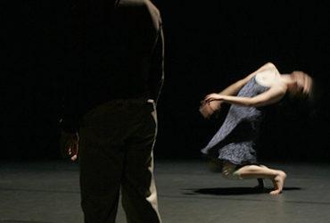 Koreoloogiline perspektiiv tantsuvaatlemise meetodina Fine5 Tantsuteatri näitel (Kertu Käämbre bakalaureusetöö, TÜ teatriteaduse õppetool, juhendaja Luule Epner)