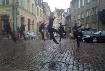 Dance on-line